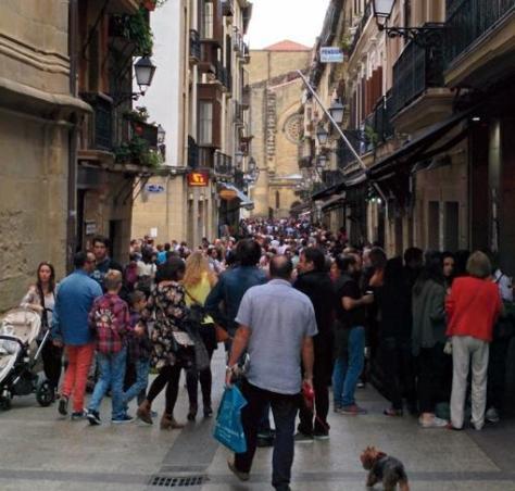 El casco histórico de San Sebastián, en plena ruta de los pintxos