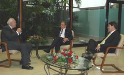 Cuba agradece la entrega de Moratinos y libera a dos presos políticos enfermos