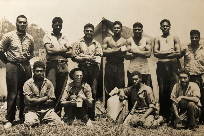 Sugar cane cutters break for tea at Cudgen, Northern NSW
