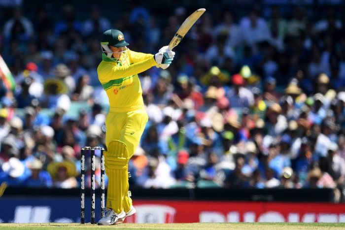 Peter Handscomb plays a pull shot for Australia against India at the SCG.