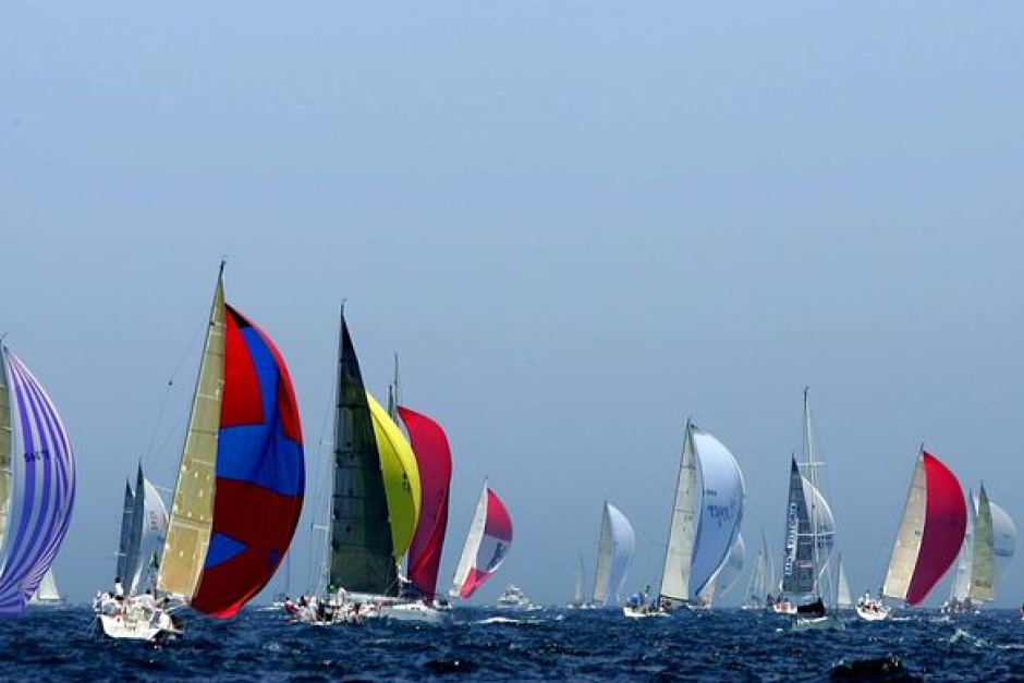 Yachts In The Sydney To Hobart Yacht Race Set Their