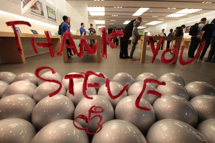 A tribute message to the late Steve Jobs written in lipstick