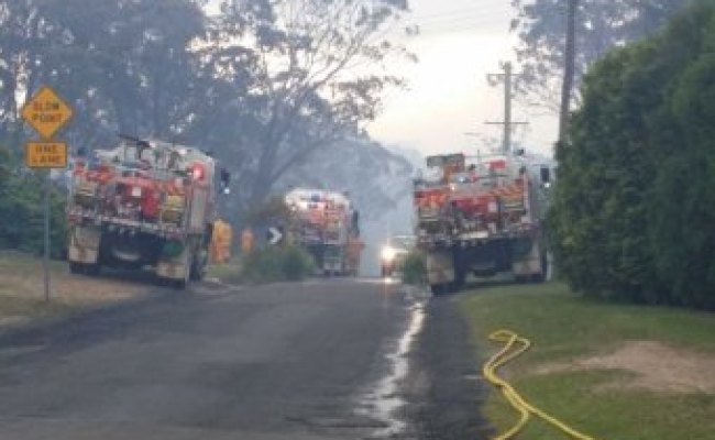 Nsw Bushfires One Blue Mountains Home Destroyed As Crews