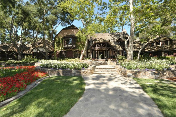 A sidewalk leads to the main house inside Michael Jackson's Neverland Ranch
