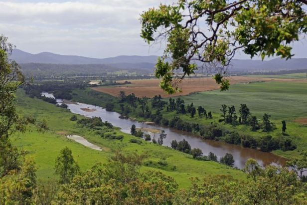 Clarence River from Balund-a