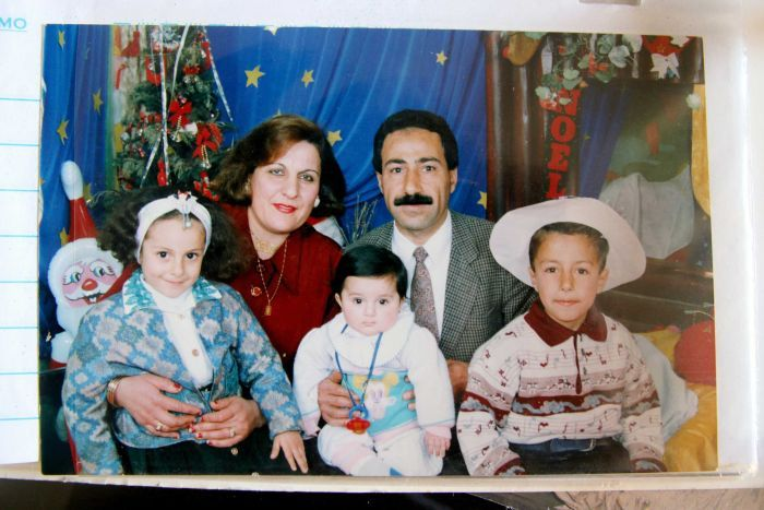 Old family photo of Aida, Anyoun and their children in Syria