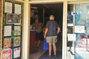 Man finds newsagent open but no power