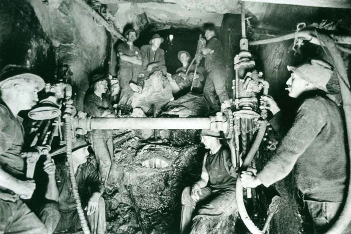 The men broke through and saw the light of the Long Nose Point end of the tunnel under Sydney Harbour in 1922.