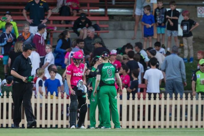 Spectator treated after being hit by Ellyse Perry six