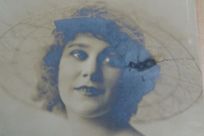 Silent movie star Louise Lovely with bobbed hair