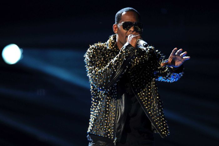 R Kelly performs on stage