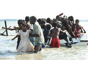 Sri Lankan civilians escape the conflict zone