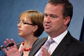 Tasmanian caretaker Premier David Bartlett with Lara Giddings.