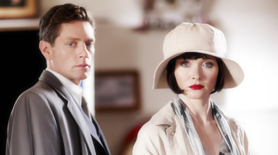 DI Jack Robinson (Nathan Page) & Phryne Fisher (Essie Davis)