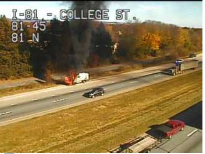 81-south-vehicle-fire_418785