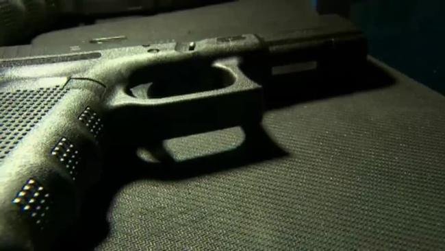 handgun_385422