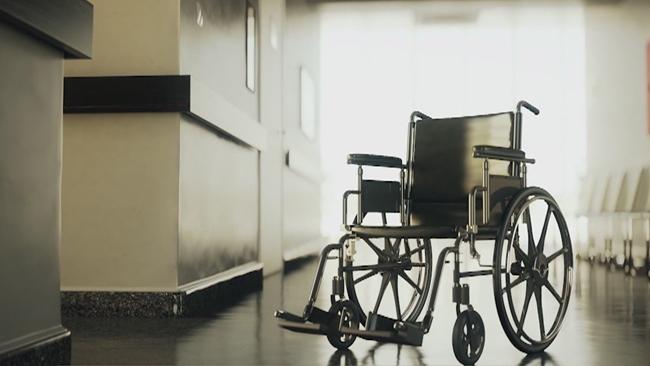 nursing_home_senior_care_400468
