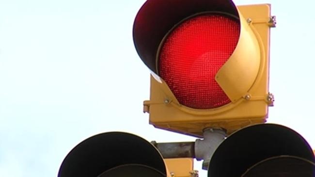 traffic_red_light_710681