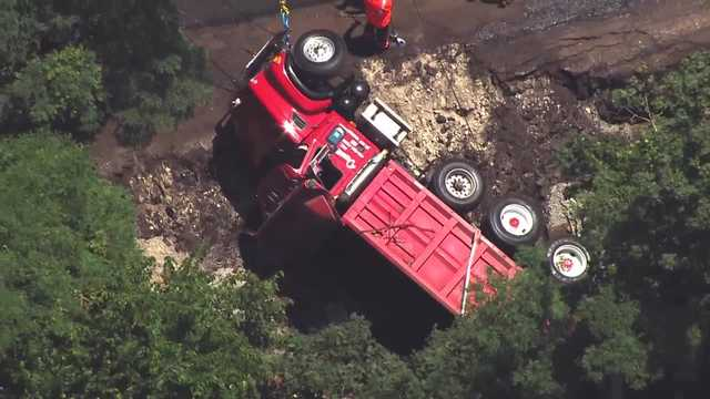 Driver rescued after truck goes down Pittsburgh hillside | ABC27