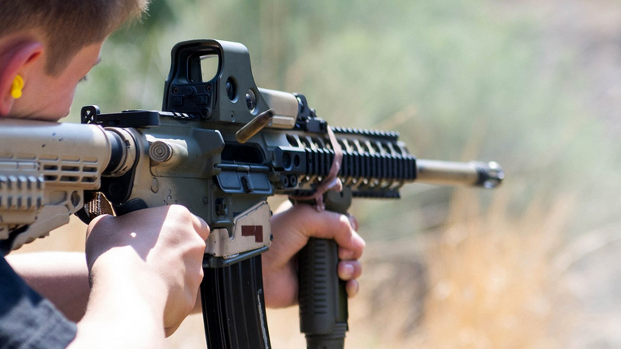 ar-15_assault_rifle.jpg