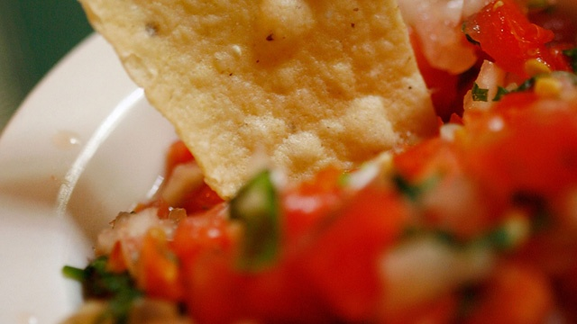 Chips and salsa_3237928852904778-159532