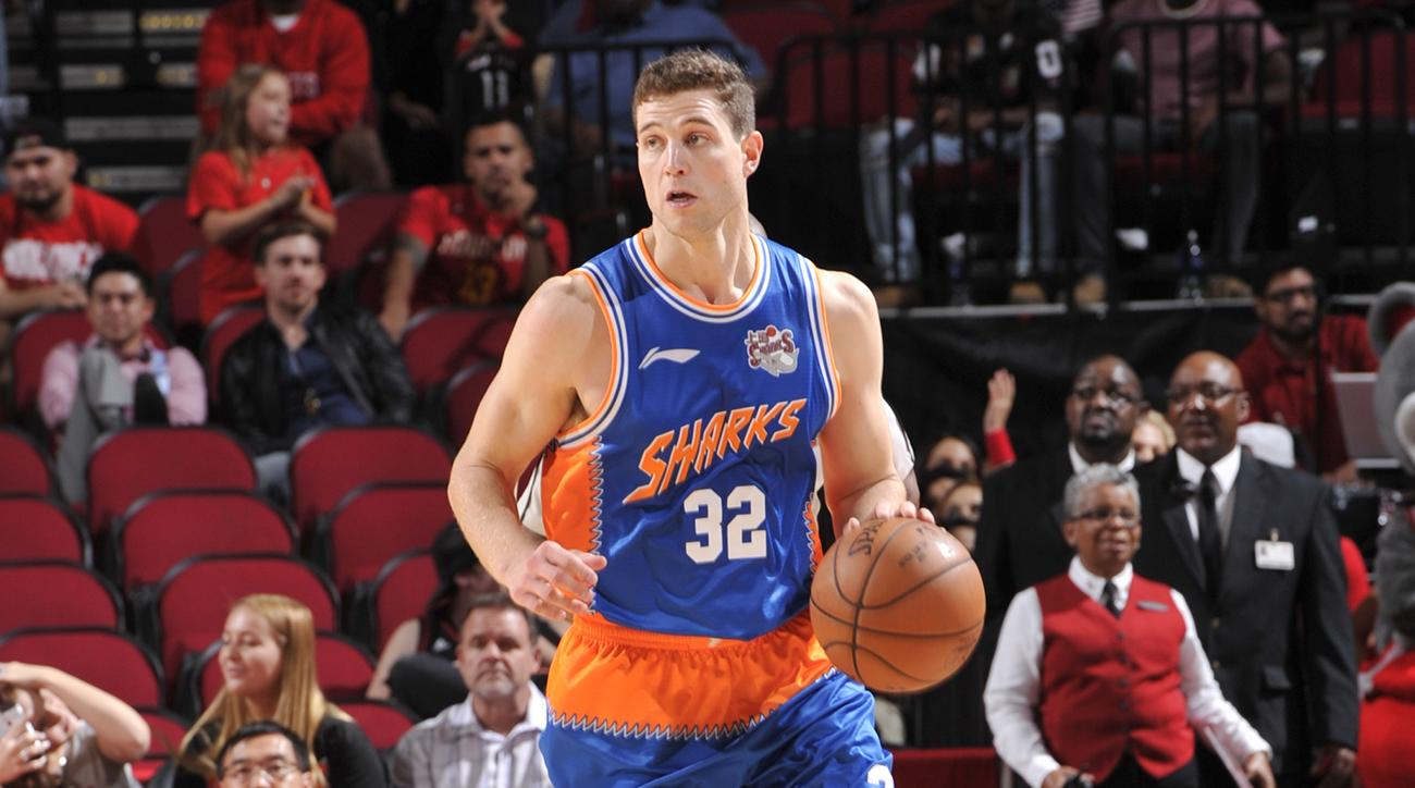 new arrival f6c2e 87b25 Jimmer Fredette signs with Phoenix Suns