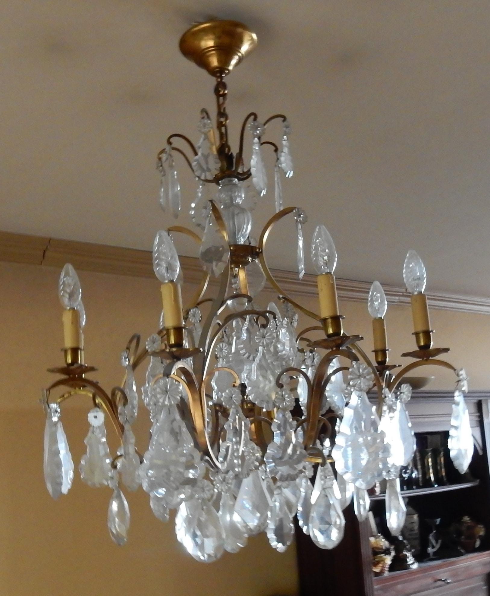 1950 lustre cage style louis xv a 8 lumieres et cristal baccarat