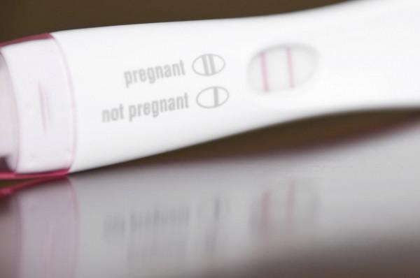 ظهور خط باهت في اختبار الحمل بعد ساعات اجابات لكل استفساراتك