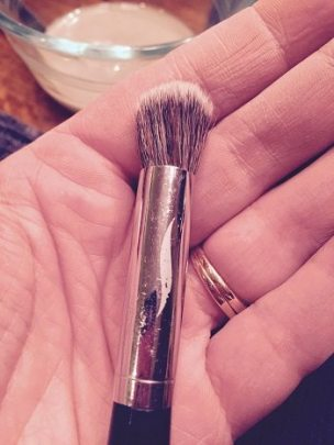 cleanMakeupBrush - Copy