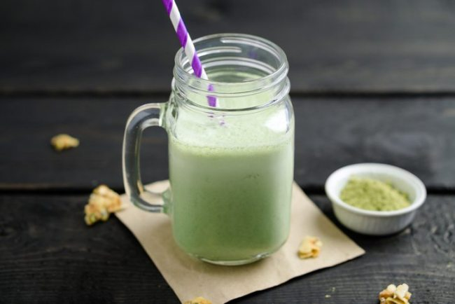 matcha green tea smoothie healthy skin