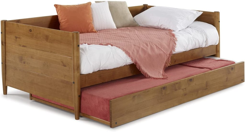 wooden-daybed-with-trundle