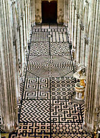 cathedral labyrinths and mazes in France