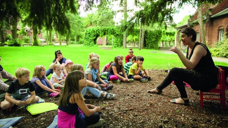 Lesestunden im Park