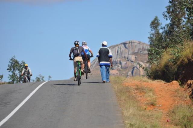 Madagaskar, Biketour, Mountainbike, Mountainbiketour, Klaus Sperling, Hauser-Exkursionen, Gerhard von Kapff, Makis, Lemuren, Trail, MTB.