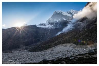 Sonnenuntergang auf 4.500 Meter, Tagnag im Tal liegt bereits seit einer Stunde im Schatten