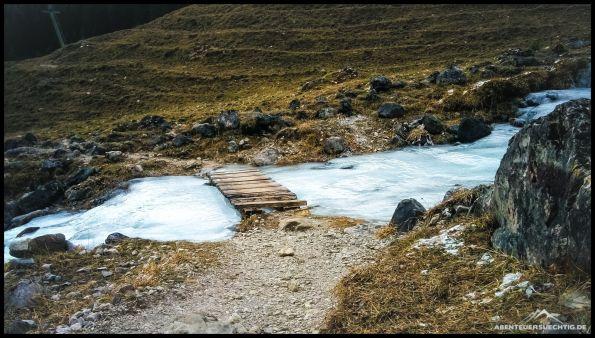 Ein Eisfluss während unseres Abstiegs