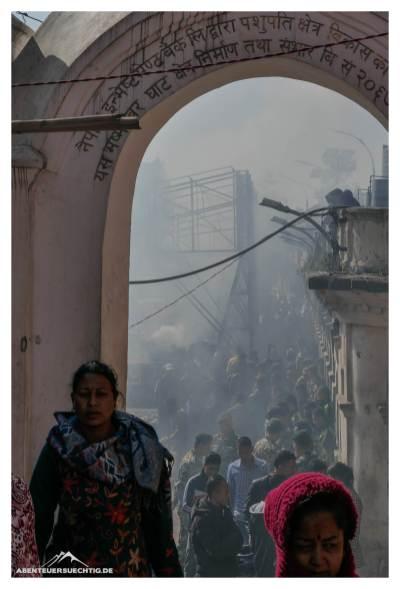 Endzeitstimmung in Pashupatinath