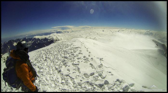 Auf dem Dach der Alpen, alle anderen Gipfel liegen unter uns.