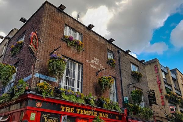 Geselligkeit & Lebensfreude finden Sie in irischen Pubs