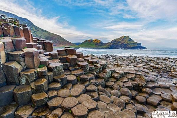 """Bizarre Basaltsäulen am """"Giant's Causeway"""" in Nordirland"""