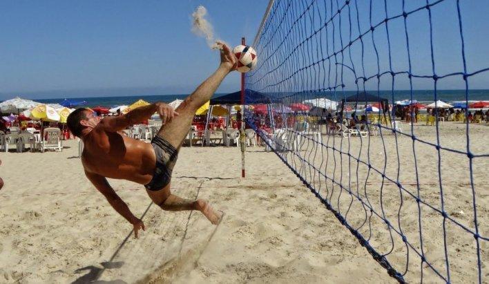 Futevôlei com Sunga de Praia de praia da aberbeach