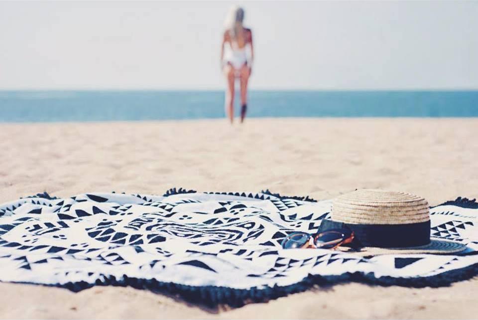 5 coisas que você não pode esquecer na hora de ir à praia