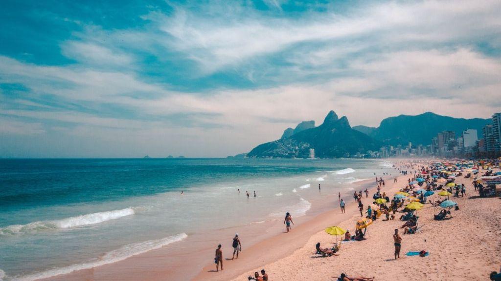 sunga de praia cavada carioca rio de janeiro verão 2020 Aberbeach moda praia masculina