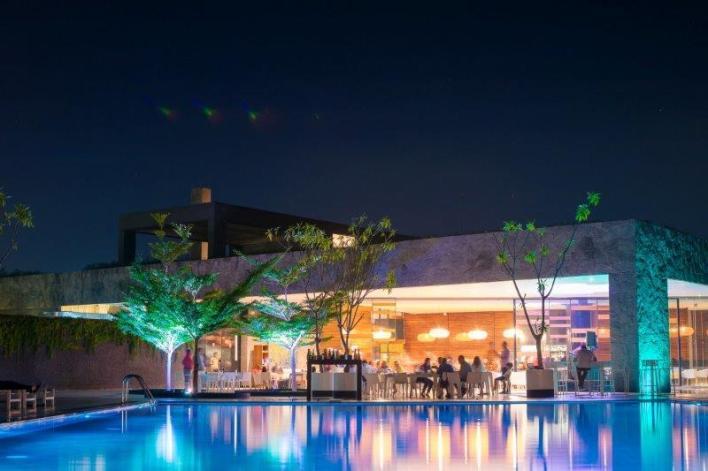 O que é Pool Party luxuosa