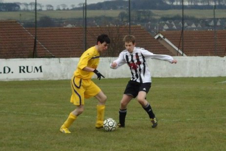 Johnny Gregor on the attack for Rattrays (3)