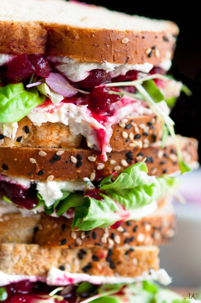 Cranberry cream cheese turkey salad sandwich aberdeen 39 s for Leftover shredded turkey sandwiches