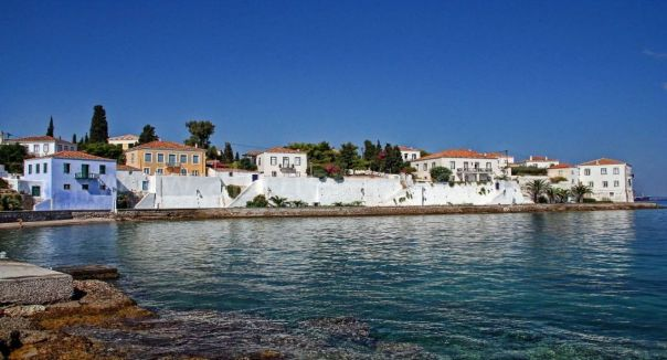Spetses_holiday_guide