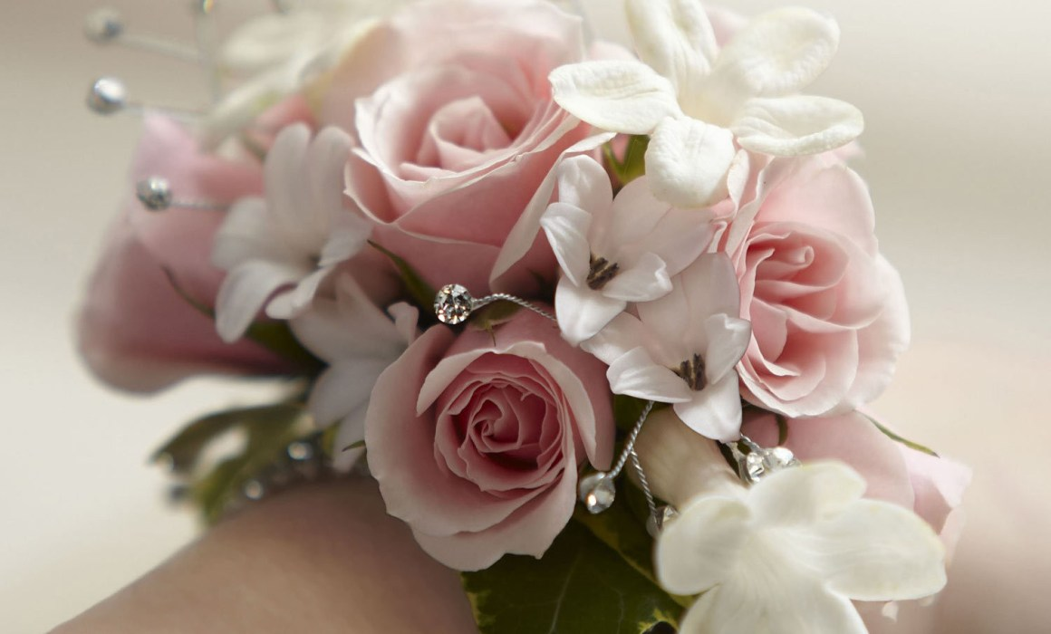 Debs flowers corsages absolutely fabulous flowers flower debs flowers corsages absolutely fabulous flowers flower delivery dublin flowers ireland florists in dublin flower delivery ireland send izmirmasajfo