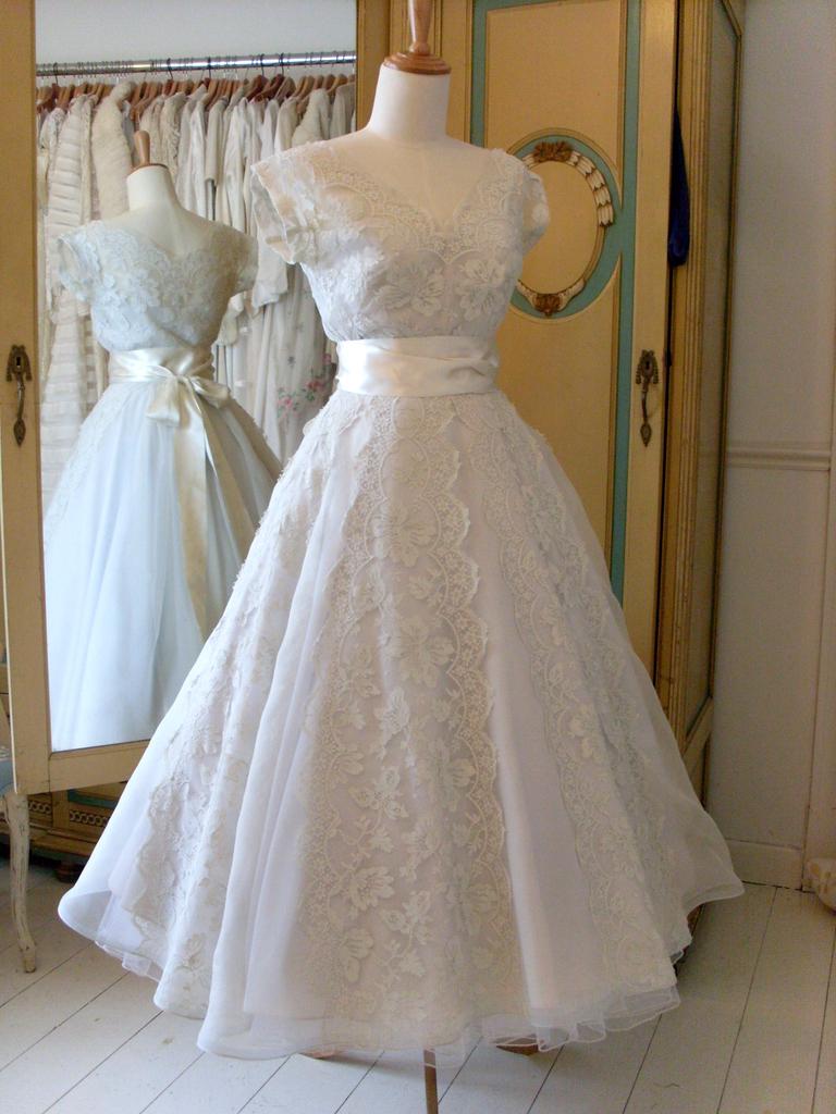 Vintage Wedding Make