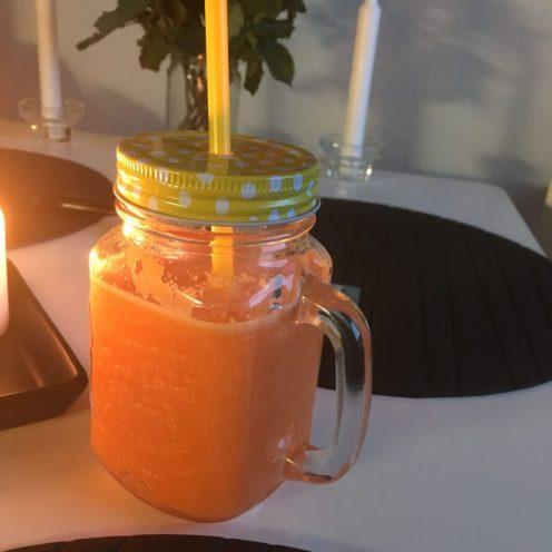 Gulerod/appelsin smoothie